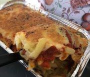 Macarrones con tomate casero y queso gratinado