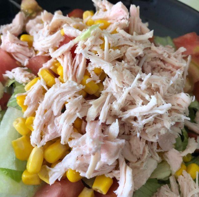 Ensalada fresca de pollo